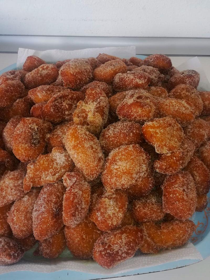 Bolitas dulces caseras, comidas para llevar Caniles