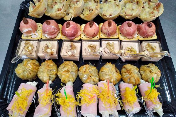 Catering para eventos La Cocina de Inma Caniles surtido de canapés Granada