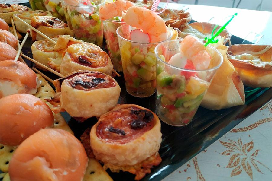 Catering para eventos La Cocina de Inma Caniles surtido de canapés