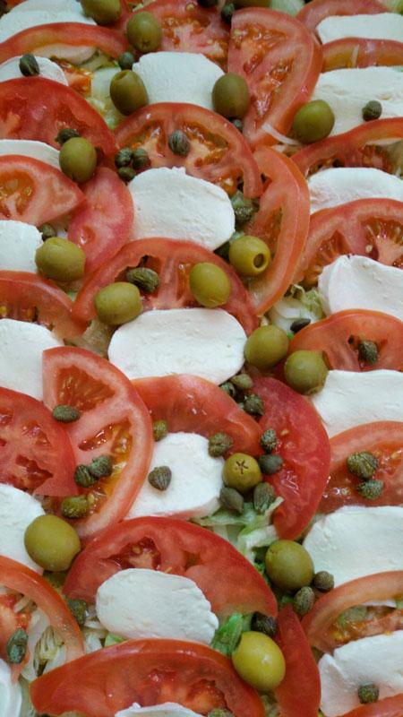 Ensalada de tomate y mozzarella comidas para lleva en Caniles con La Cocina de Inma
