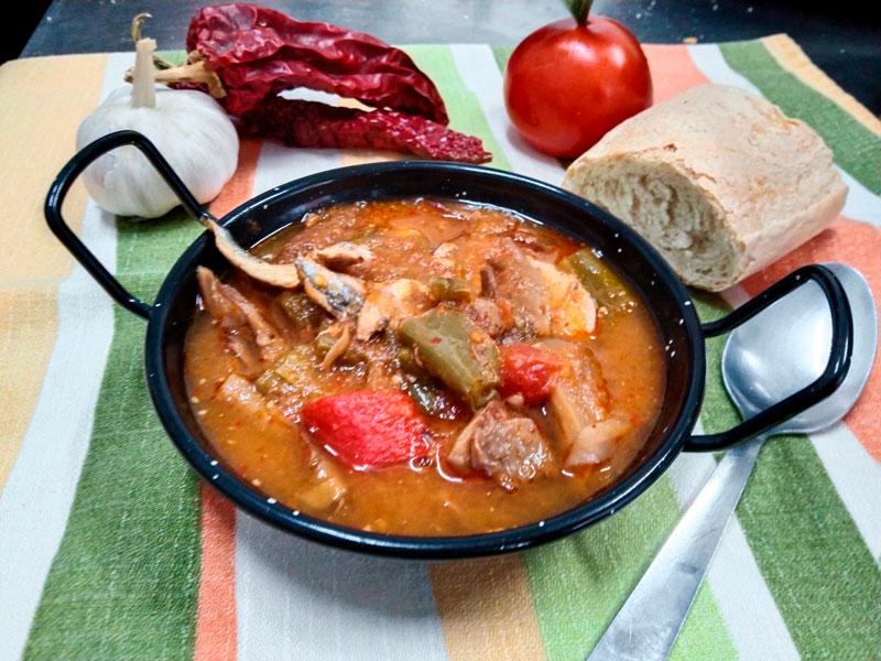 Guiso casero de cuchara comidas para llevar en Caniles con La Cocina de Inma