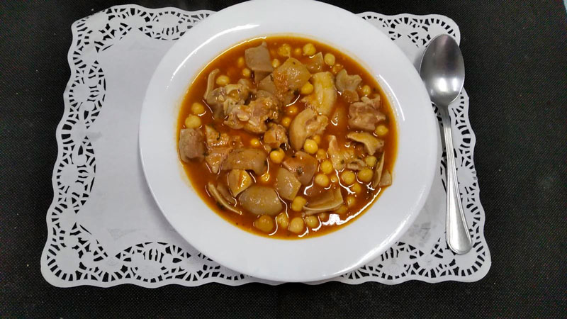 Guiso garbanzos comidas para llevar en Caniles con La Cocina de Inma