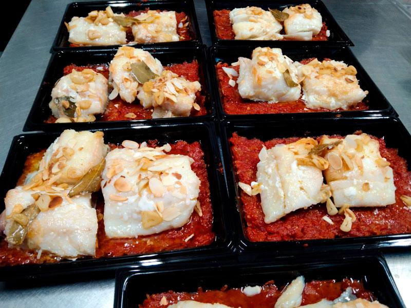 Merluza con tomate comidas para lleva en Caniles con La Cocina de Inma