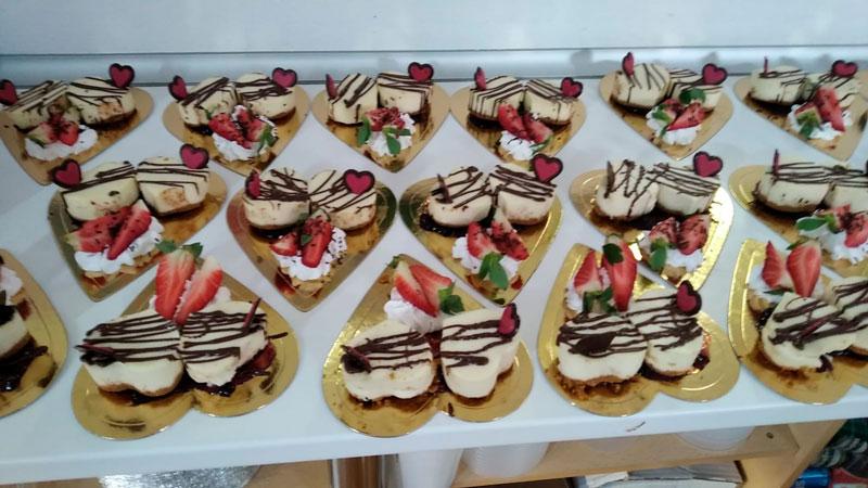 Postres caseros para eventos, tartar de fresa, comidas para llevar Caniles con La Cocina de Inma